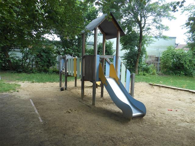 http://www.kindergarten-traunreut.de/cms/wp-content/uploads/2015/06/DSCN0001-Small.jpg
